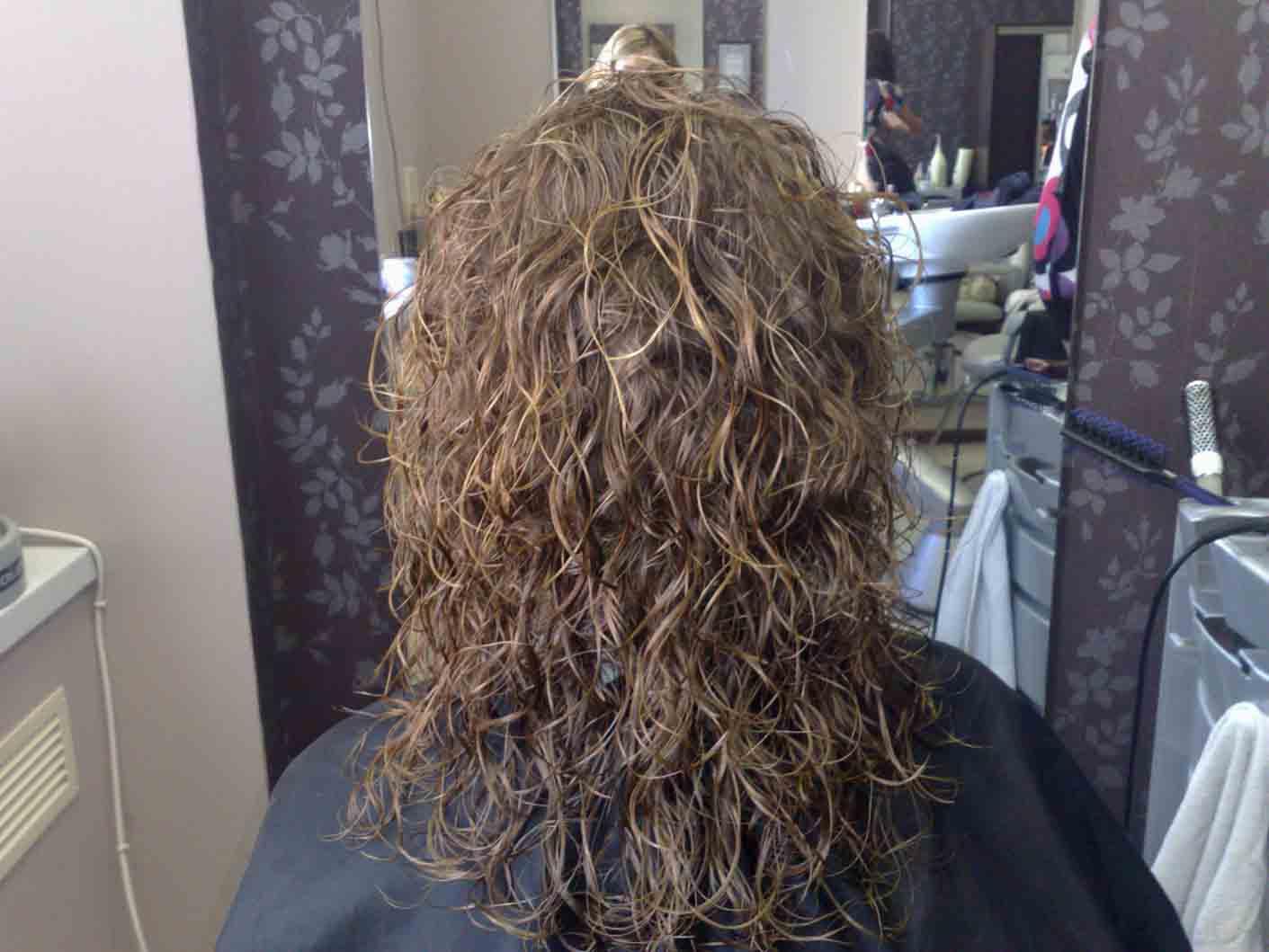 Как сделать мокрую химию на прямых волосах в домашних условиях